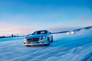 4matic Mercedes Benz Luxury Car 4wd In Snow And Ice